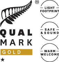 qualmark-1-star-gold-logo-stacked