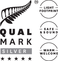 qualmark-5-star-silver-logo-stacked