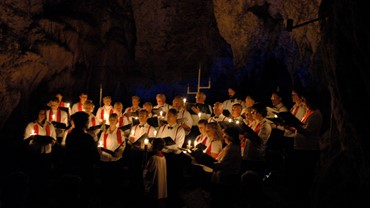 Carols in the Caves, Waitomo Glowworm Caves