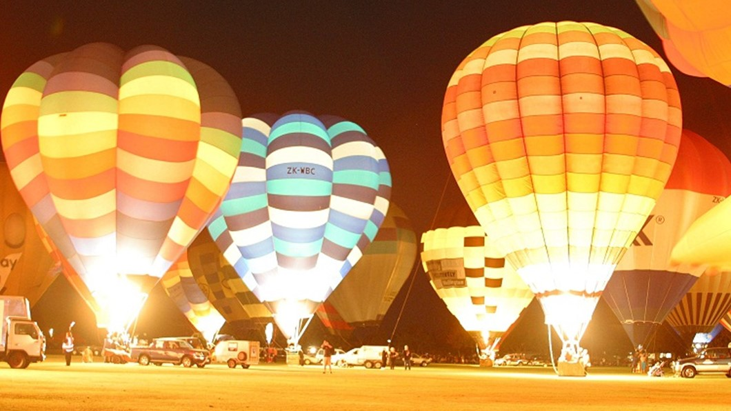 Balloons over Waikato Festival, Nightglow