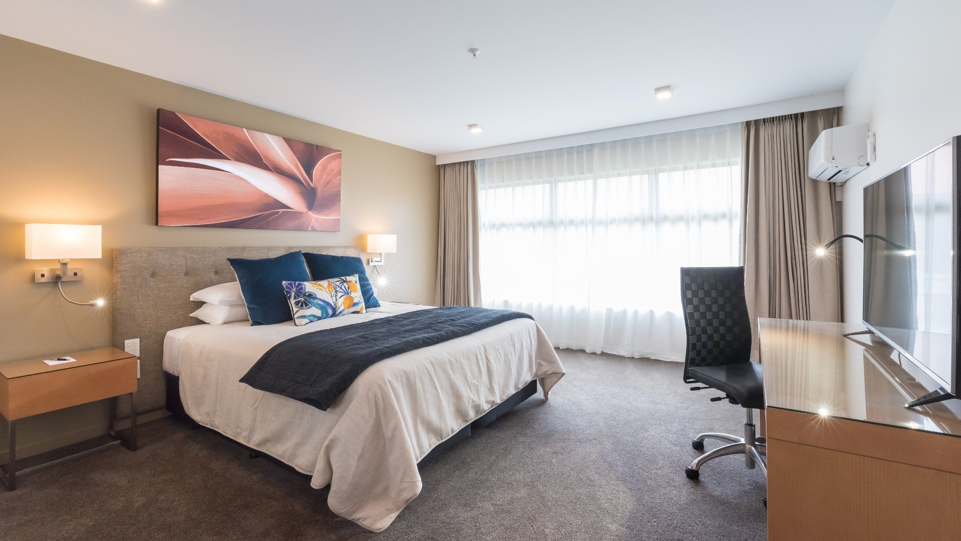 New Rooms and Suites at Distinction Hamilton Hotel
