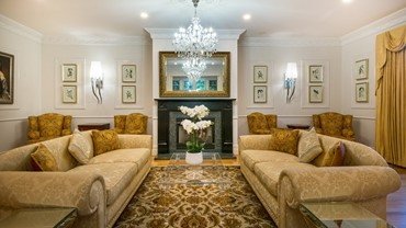 The drawing room at Henley Hotel, perfect for entertaining friends, or relaxing with a good book.